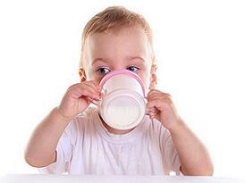аллергия на молоко у ребенка фото